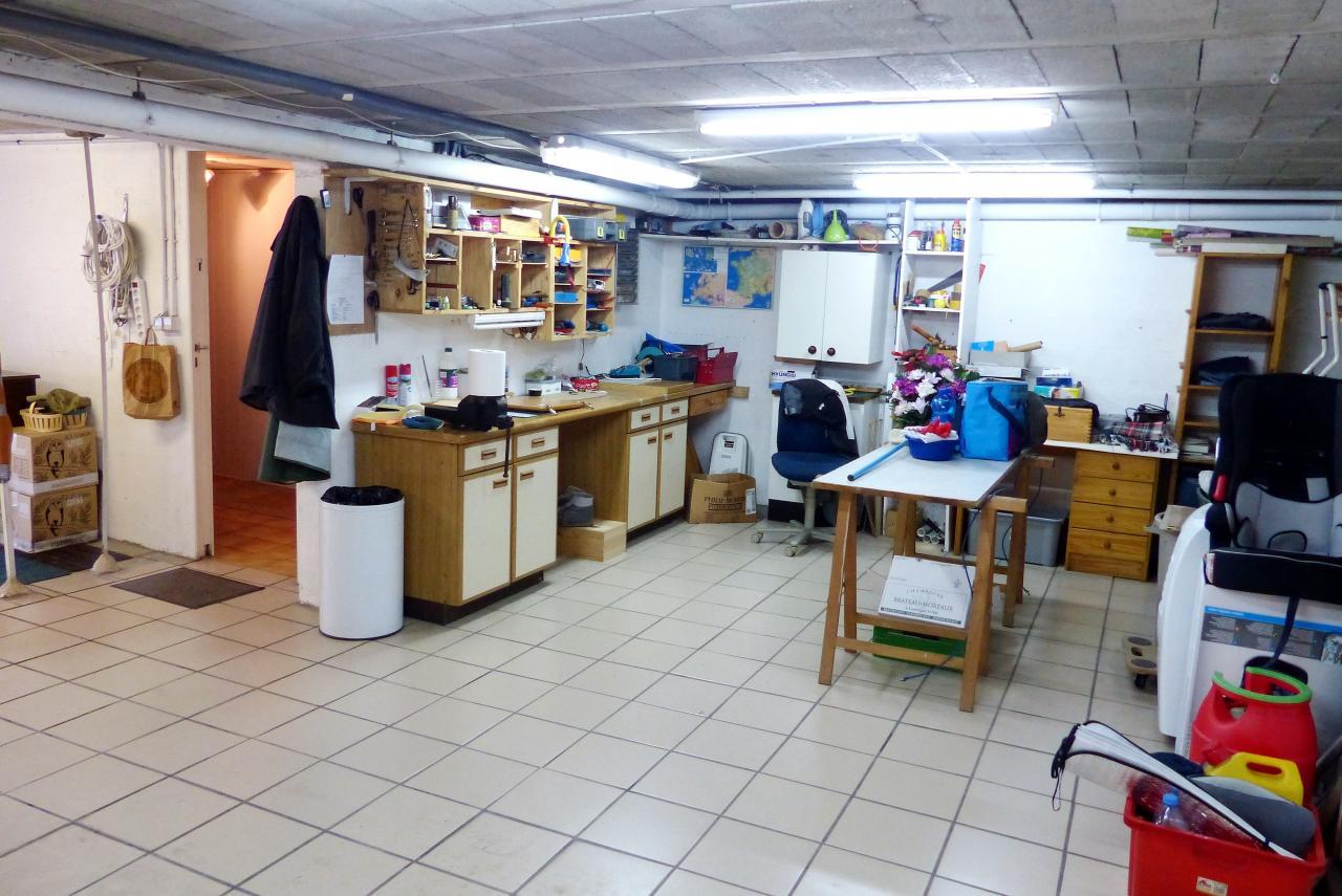 Garage et atelier for Garage chevry cossigny